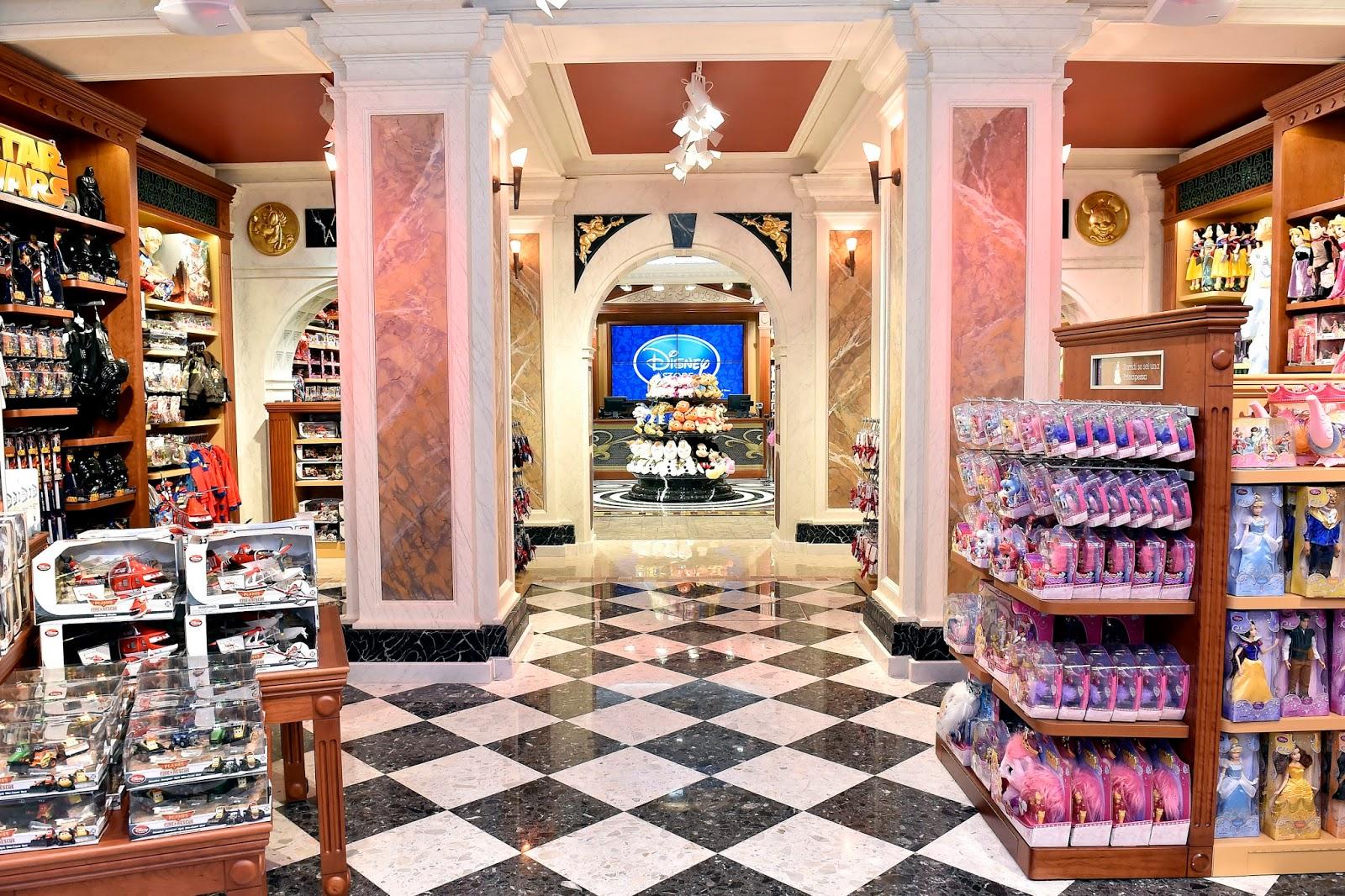 Disney Store Roma